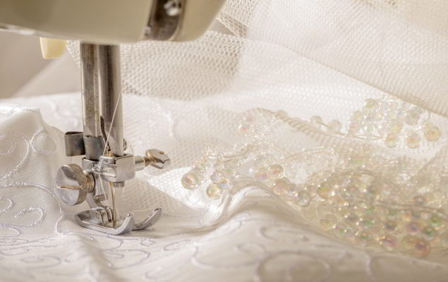Tutti i tessuti per abiti da sposa  guida alla scelta 536995d86e4