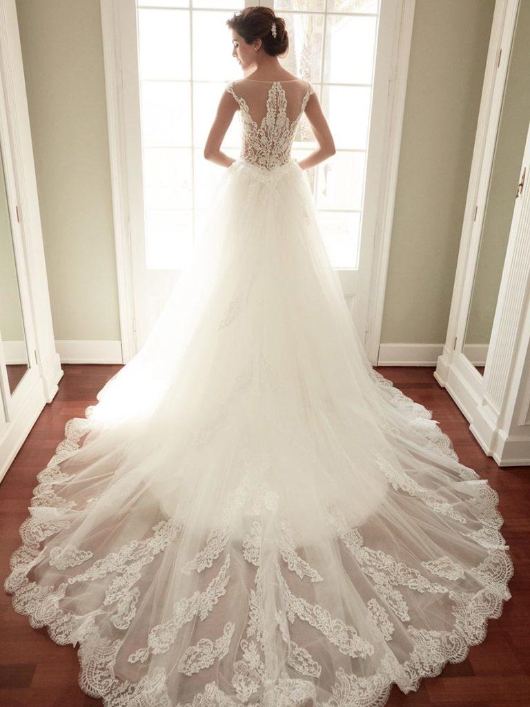 Vestiti Da Sposa 2018 Immagini.Abiti Da Sposa 2018 Tendenze Da Seguire Per Essere Alla Moda