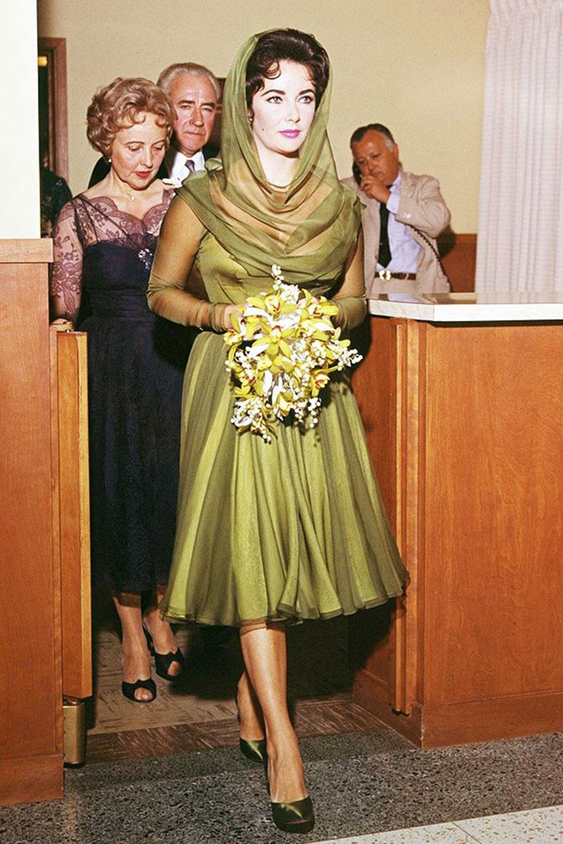 Abiti Da Sposa Quarto Napoli.Elizabeth Liz Taylor Abito Da Sposa Cerrato Moda Abiti Da