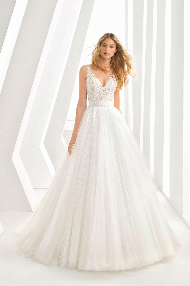 Abiti Da Sposa Salerno.Abiti Da Sposa Rosa Clara 2019 Cerrato Moda Abiti Da Sposa